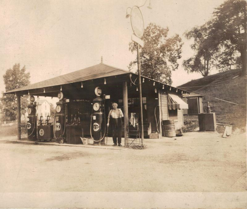 John Reed Laughlin, Gas Station at Laughlin's Corners, Hookstown, PA